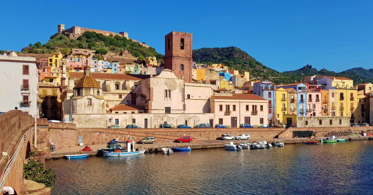 Bosa, het kleurrijkste stadje van Sardinië