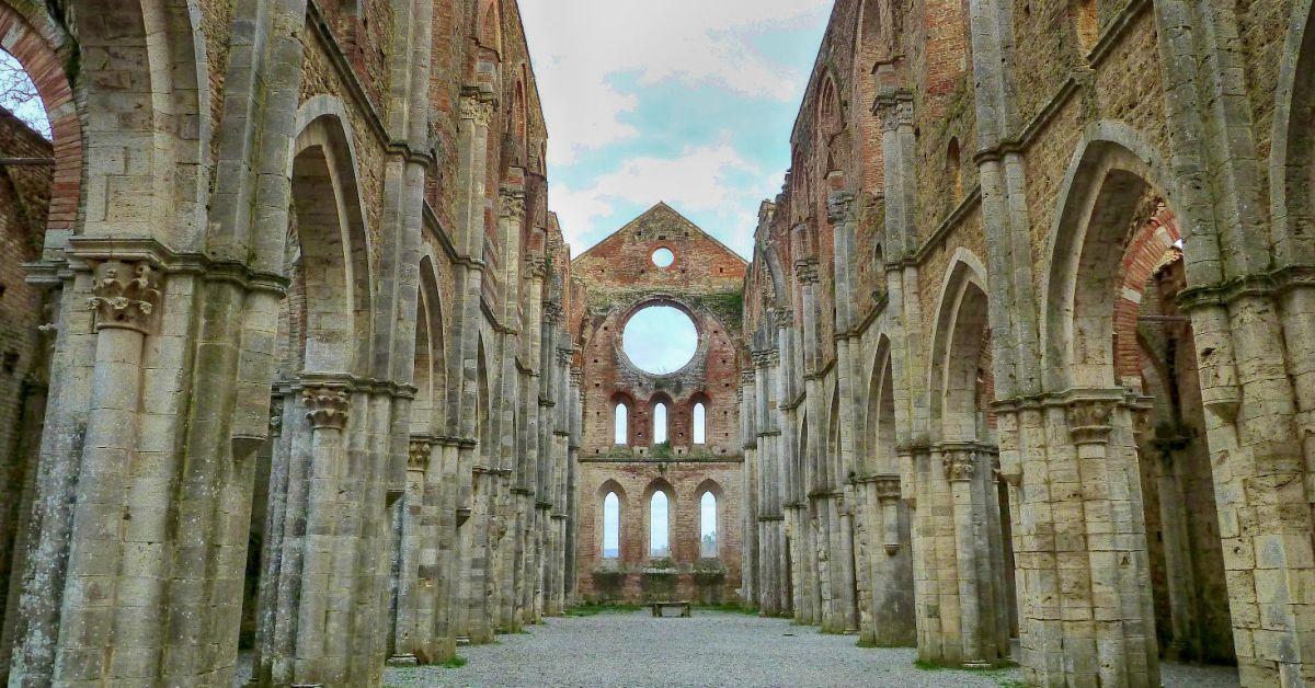 Het indrukwekkende en raadselachtige San Galgano